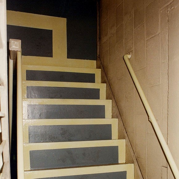 Each Step and Landing clearly marked with Permalight® Photoluminescent Markings